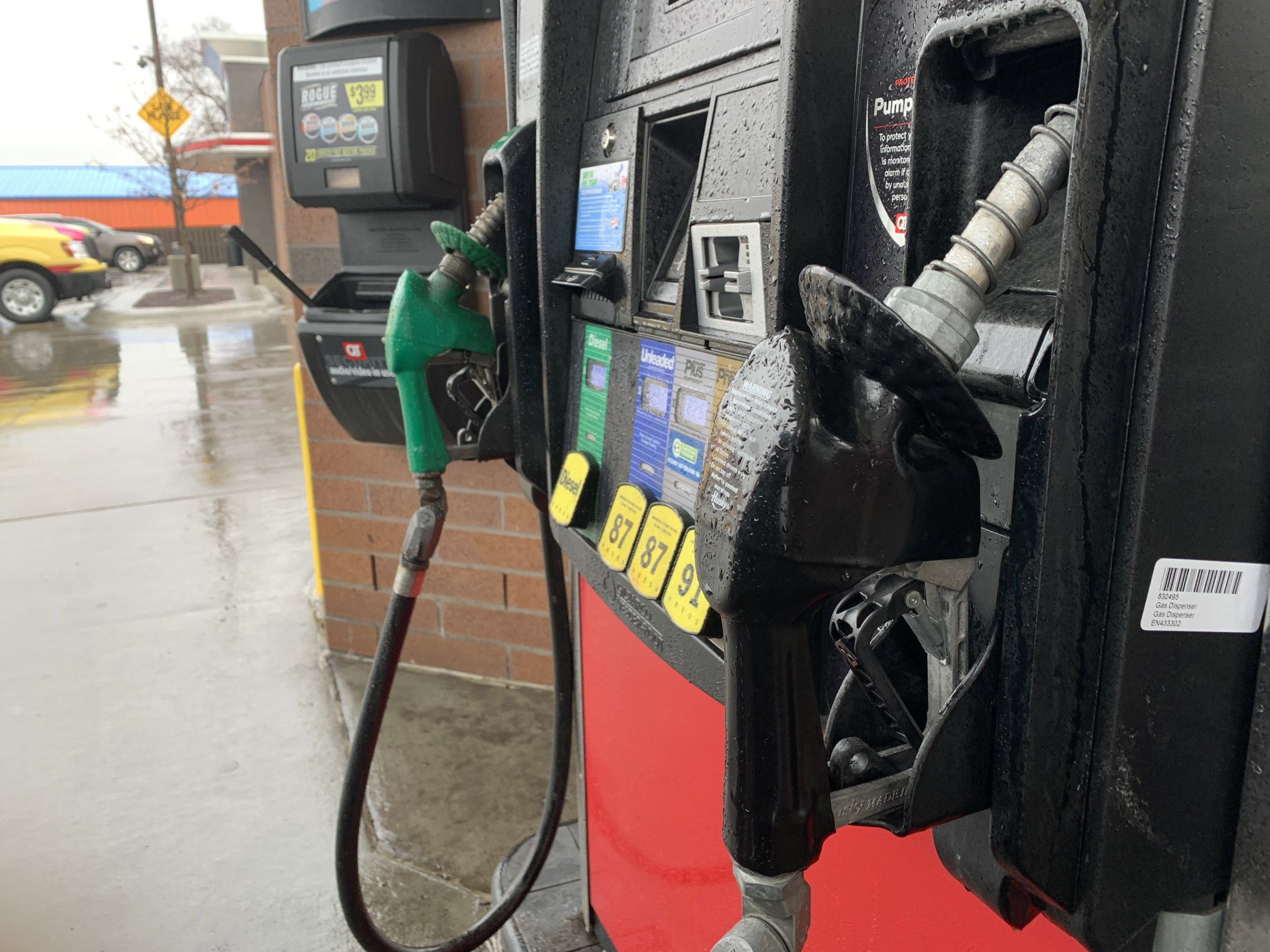 Governor's ethanol mandate has some powerful groups fuming
