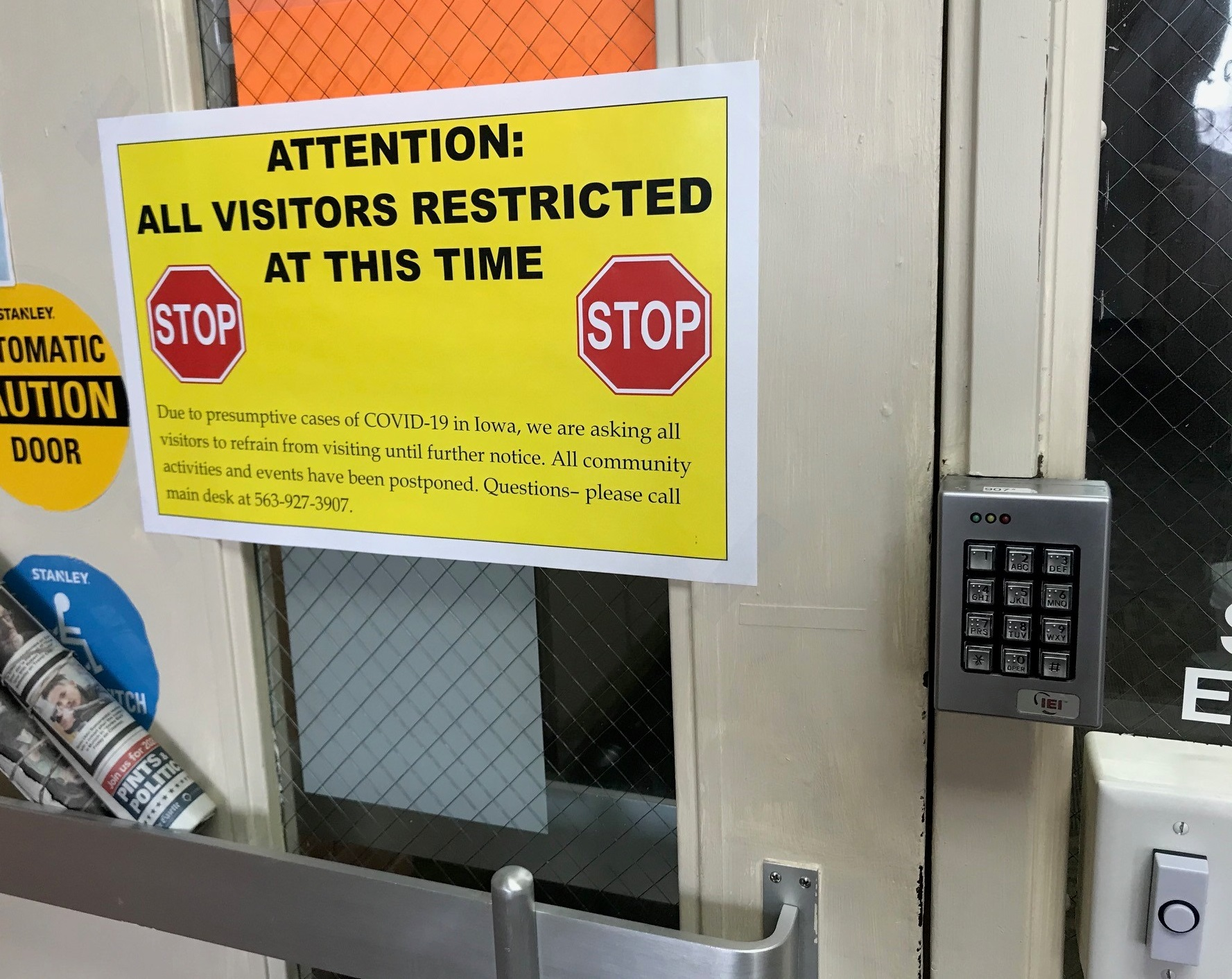 With 29 active COVID outbreaks, a third of Iowa's nursing home workers remain unvaccinated