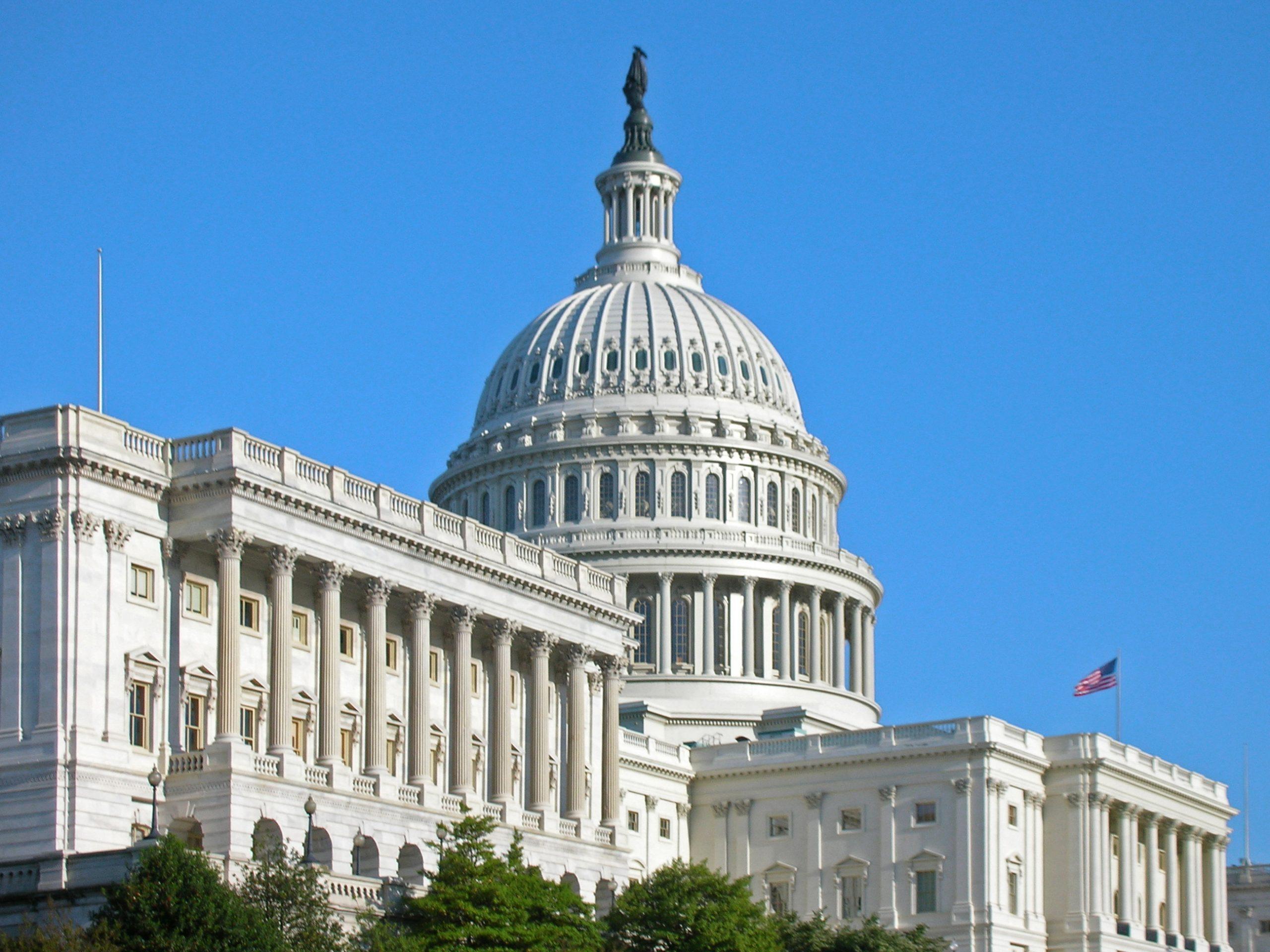 Senate race between Joni Ernst, Theresa Greenfield remains a dead heat