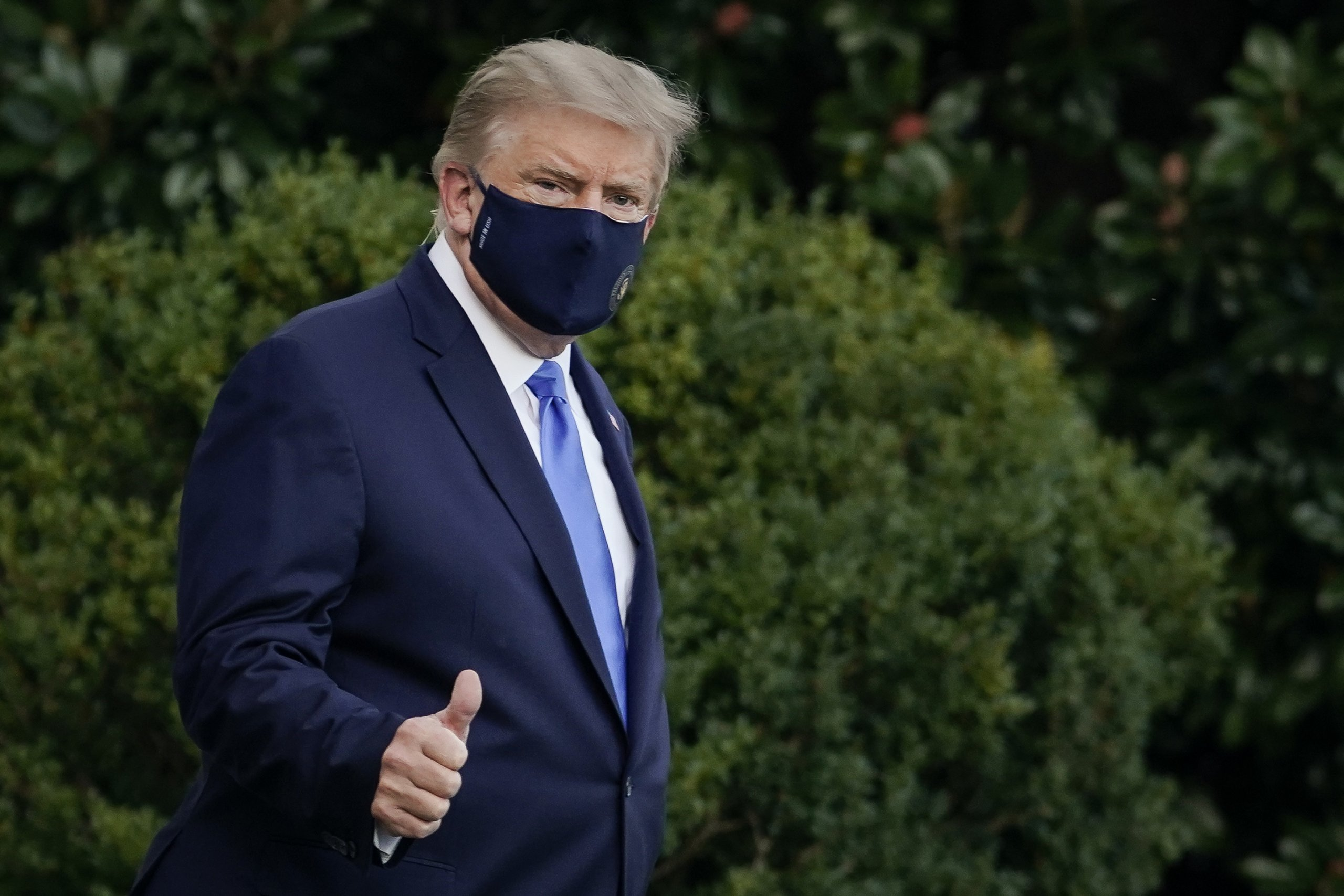 Trump returns to the White House, still infected with coronavirus