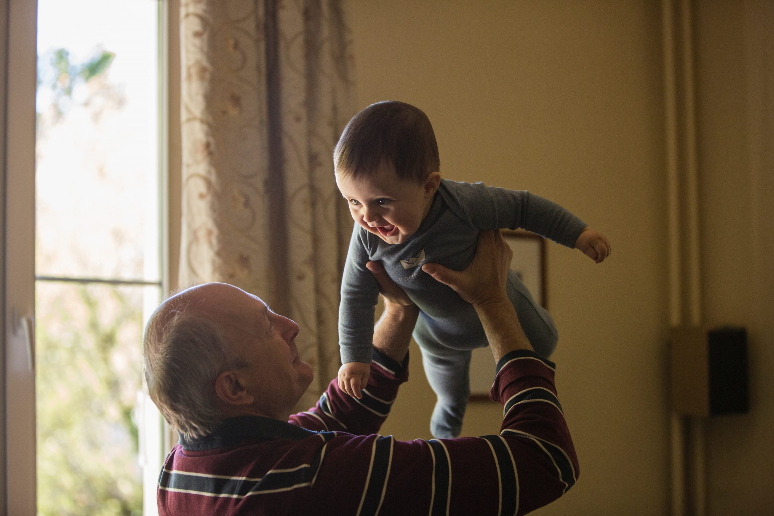 CDC: It's OK for vaccinated grandparents to visit family if no risk for severe disease